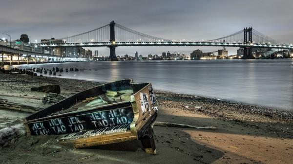 New York Melody by Scott Wilson, f16 Digital, Score: 10
