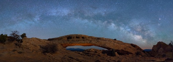 Mesa Arch under the Milky Way by Jeff Owens, f11 Digital, Score: 10
