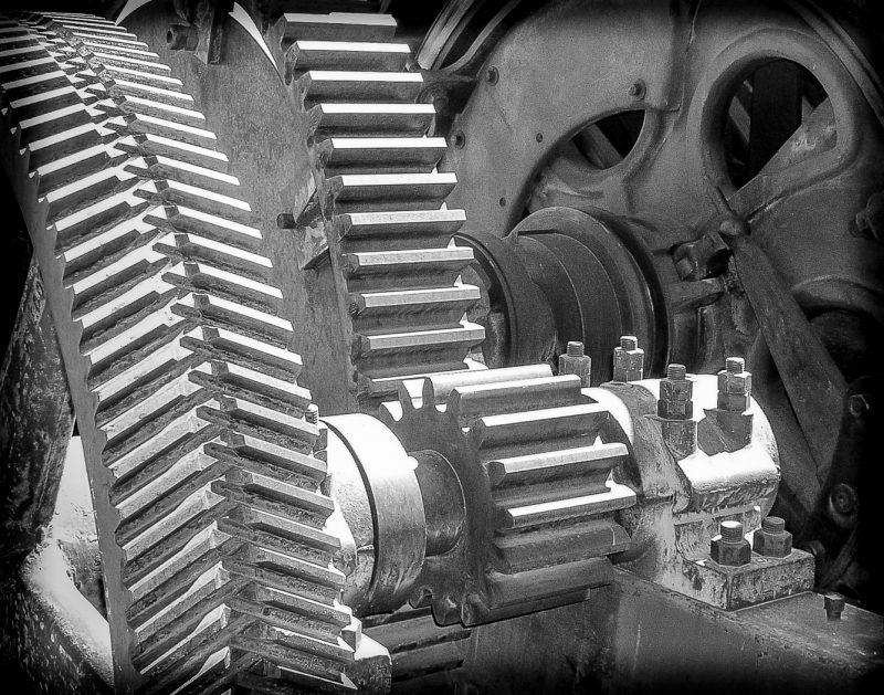 Gears and Wheels by Wayne Corrigan, f16 Monohrome, Score: 9