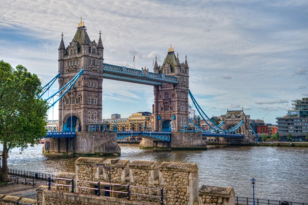 The Tower Bridge by Dan Greenberg, f16 Digital, Score: 10