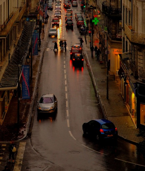 Rainy Evening in the City by Oz Pfenninger, f16 Digital, Score: 9