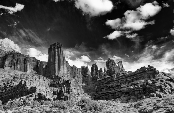 Canyonlands in Black and White by Laura Moran, f5.6 Digital, Score: 9