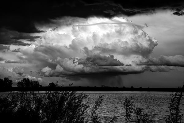 Impending Storm by Oz Pfenninger, f16 Monochrome, Score: 10