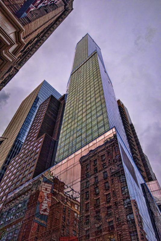 Skyscraper Contrasts by Dan Greenberg, f16 Digital, Score: 9