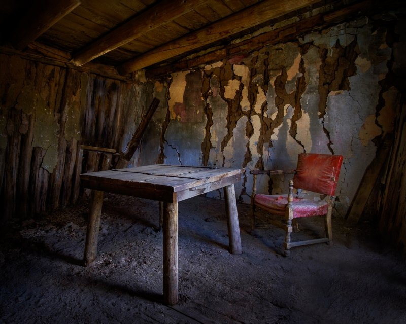 Table for One by Dave Hull, f11 Color Digital, Score: 10