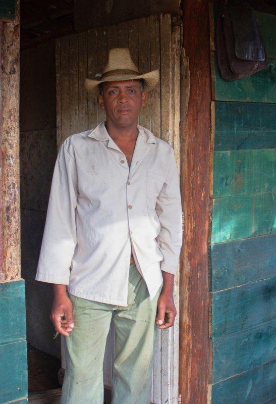 Forlorn in Cuba by Bill Dickson, f11 Color Digital, Score: 10