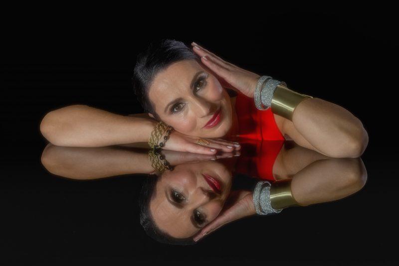 Ilona by Butch Mazzuca, f16 Color Digital, Score: 9