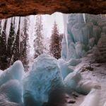 Beneath Spouting Rock by Jeff Owens, f16 Digital, Score: 10