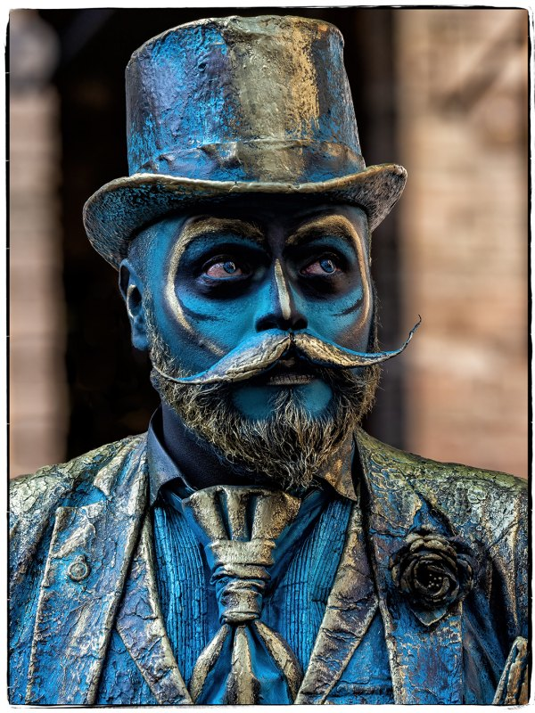 Street Performer - Guanajuato, MX by Todd Lytle, f16 Color Digital, Score: 10